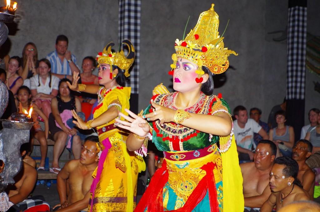 Představení v chrámu vesnice Batubulan