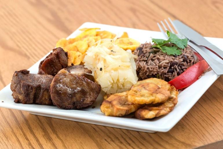 Kuchyně a tradiční jídla na Kubě