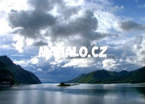 Jezero v Khao Laem