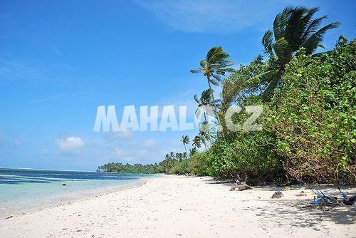 Pláž na atolu Addu