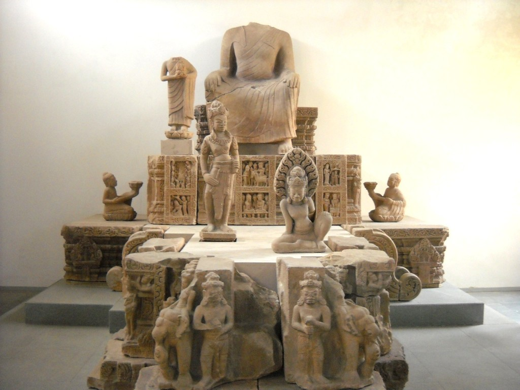 Artefakty města Dong Duong v muzeu