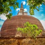 Dagoba Rankot Vihara ve starobylém městě Polonnaruwa
