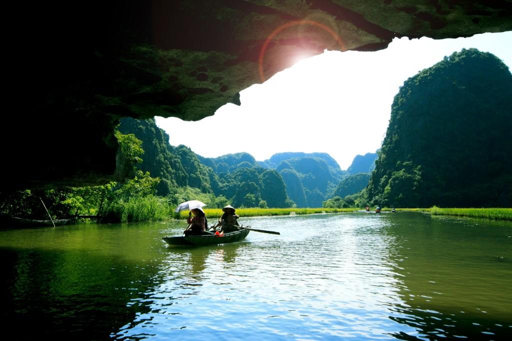 Mořské jeskyně v zátoce Ha Long