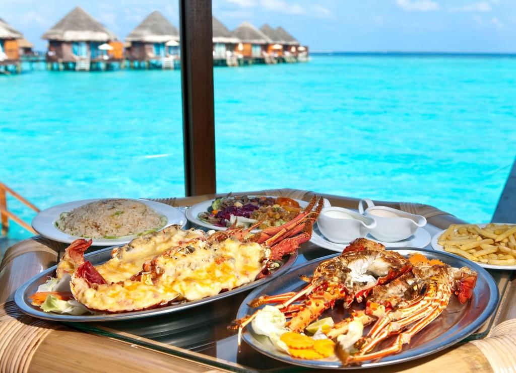 Mořské plody (humři) jsou oblíbenou pochoutkou na Maledivách