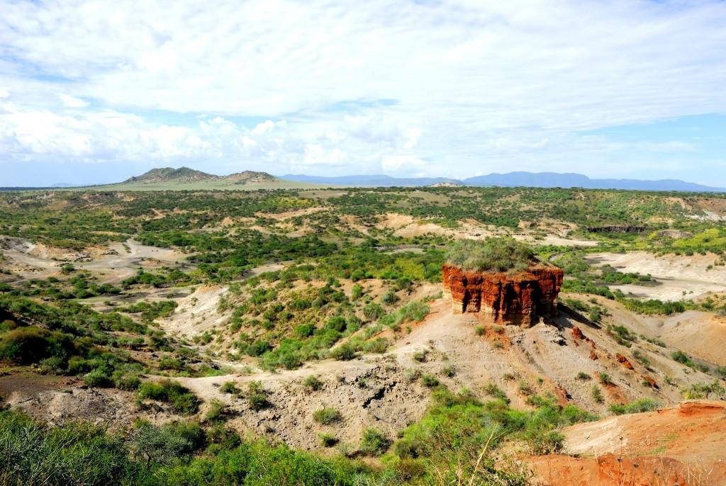 Olduvajská rokle (Olduvai, Oldupai Gorge)