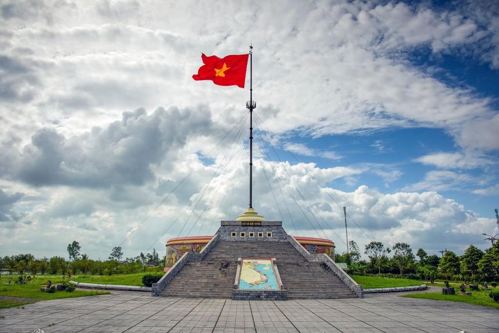 Památník u mostu přes řeku Ben Hai v demilitarizované zóně