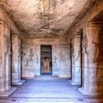 Interiér chrámu v Abú Simbel