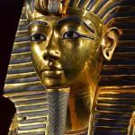 Posmrtná maska krále Tutanchamona