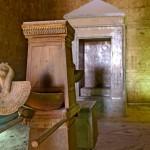 Svatyně chrámu v Edfu - obsahuje nejstarší sošku kultu