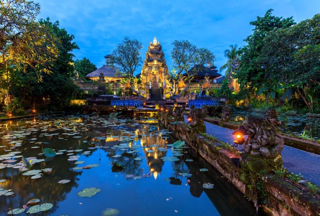 Chrám Pura Saraswati v Ubudu