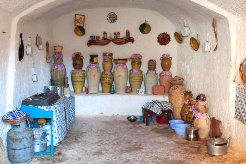 Interiér podzemního příbytku ve vesnici Matmata