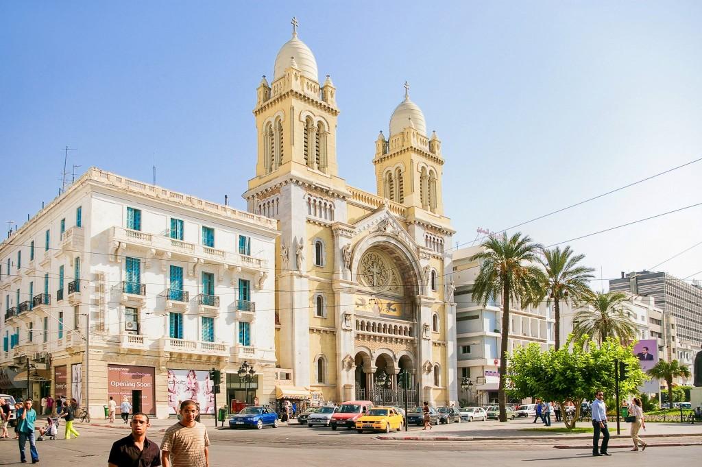 Katolická katedrála Vincenta de Paul ve městě Tunis