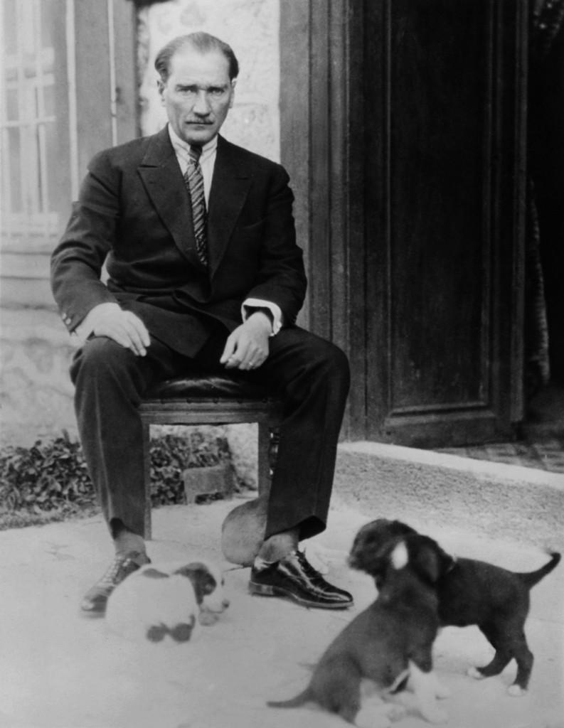 Mustafa Kemal Ataturk, první president Turecka, 1930