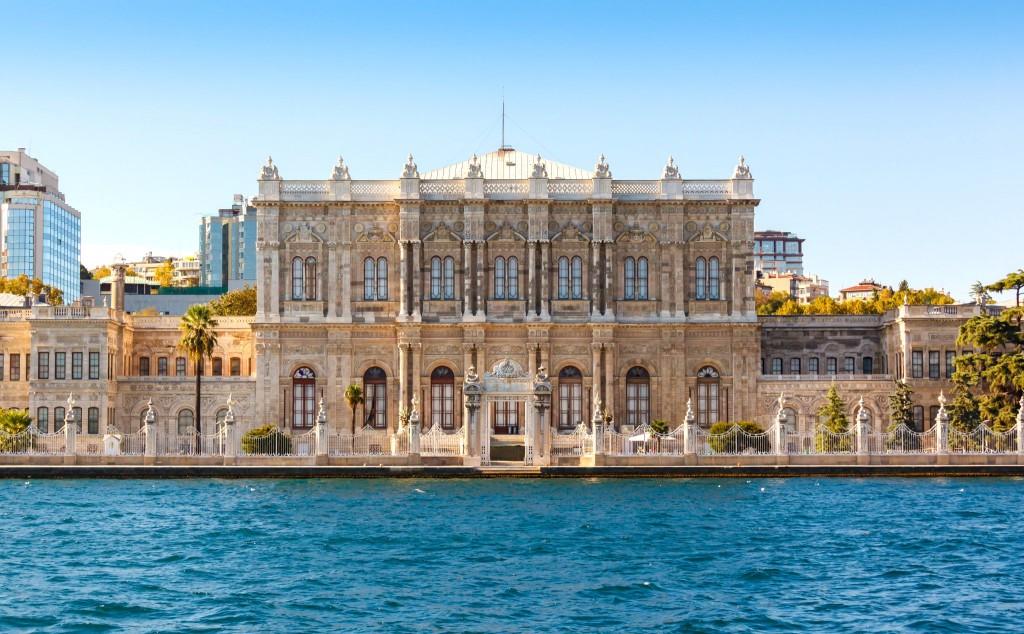 Palác Dolmabahče v Istanbulu