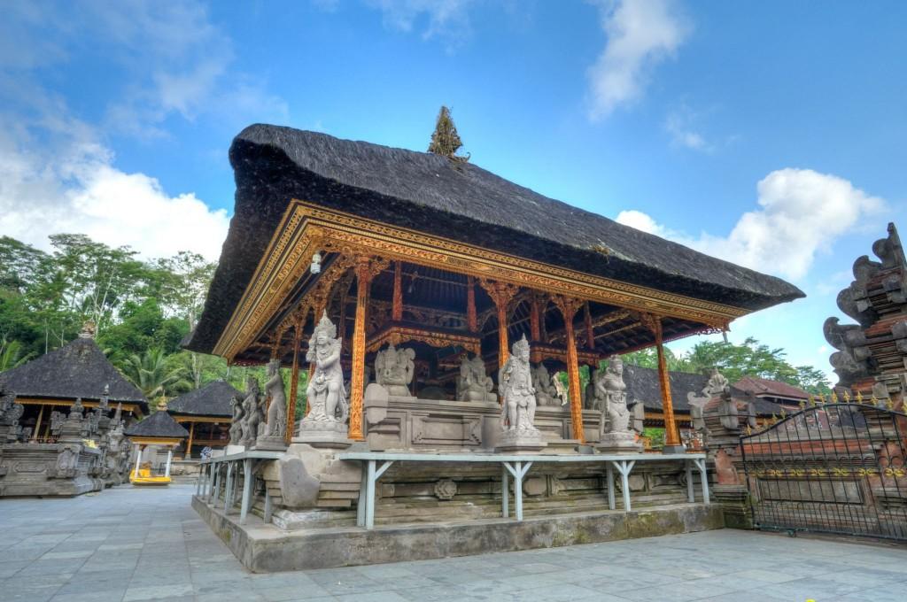 Palác Tirtha Empul ve městě Tampaksiring