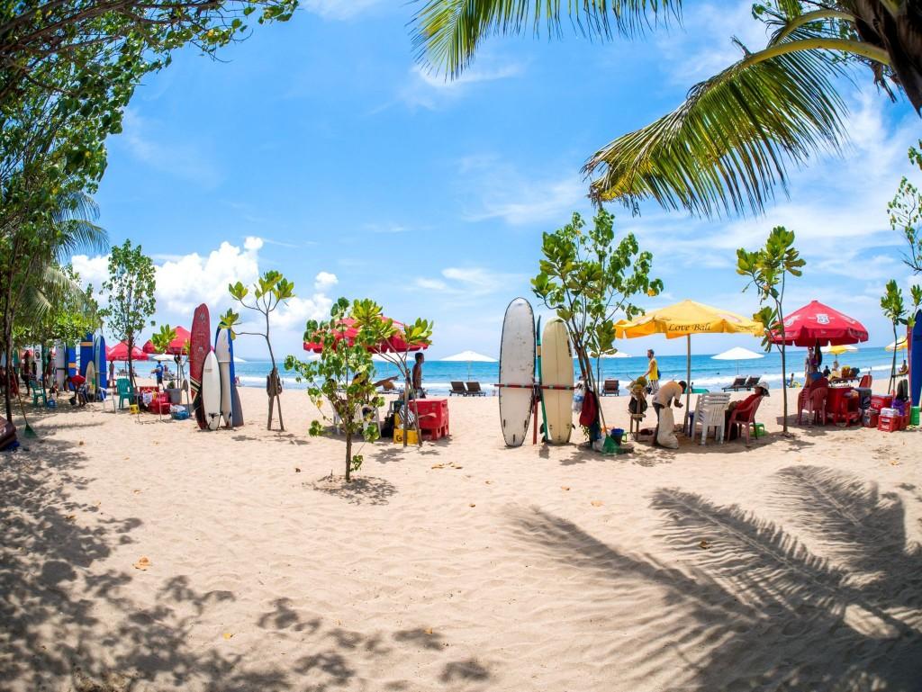 Plaž v letovisku Kuta