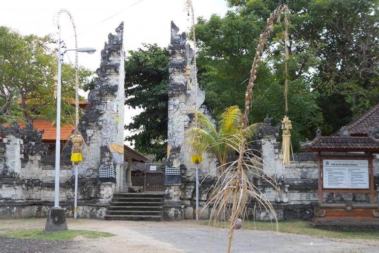Pura Sakenan a želví ostrov Serangan