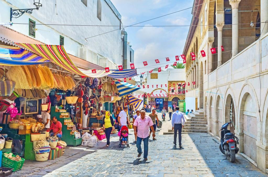 Starý trh vedle velké mešity v Tunisu