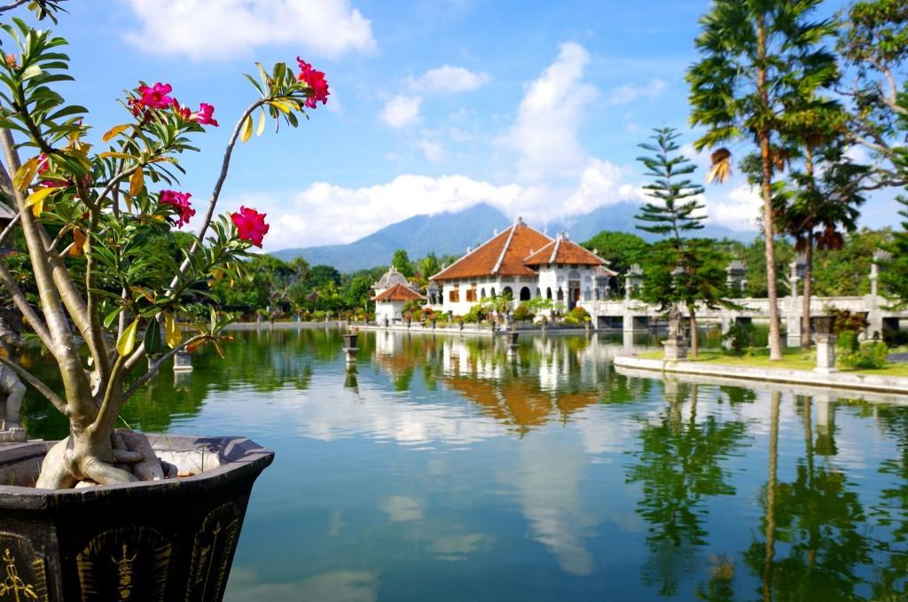 Vodní palác Taman Sukasada