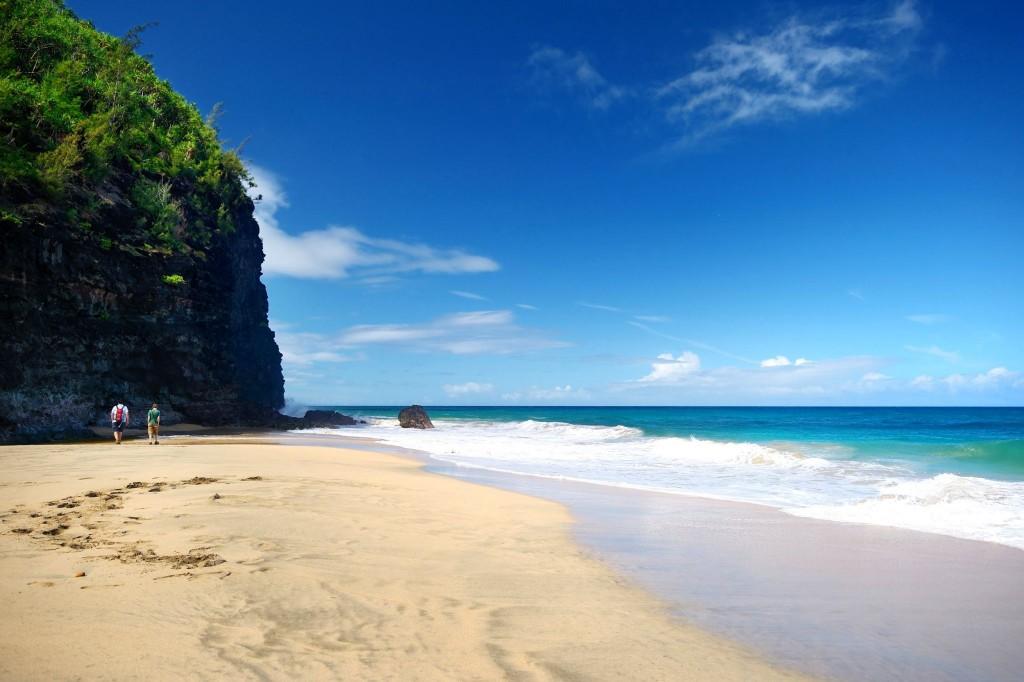 Hanakapiai Beach (2. míle)