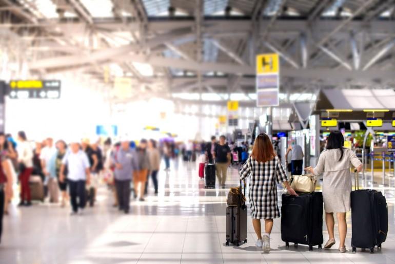 Jak to chodí na letišti, check-in (odbavení), security check (bezpečnostní kontrola), boarding atp.