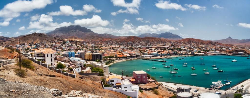 Přístavní město Mindelo na ostrově Sao Vicente