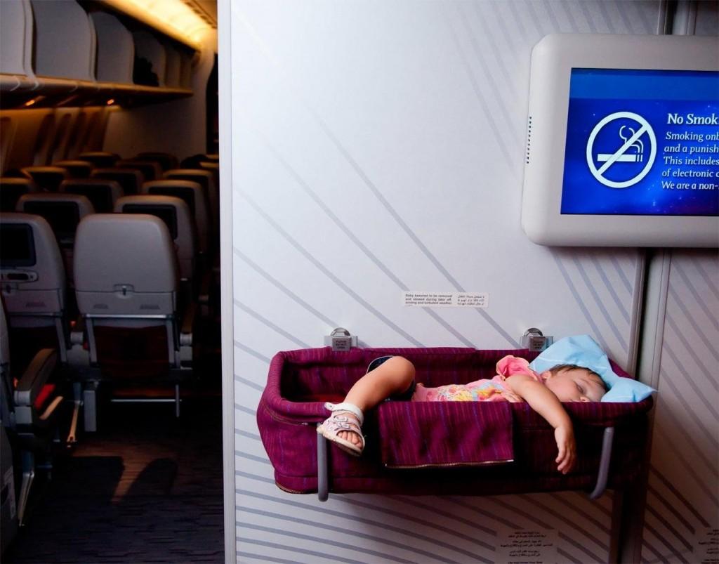 Dětská postýlka v letadle