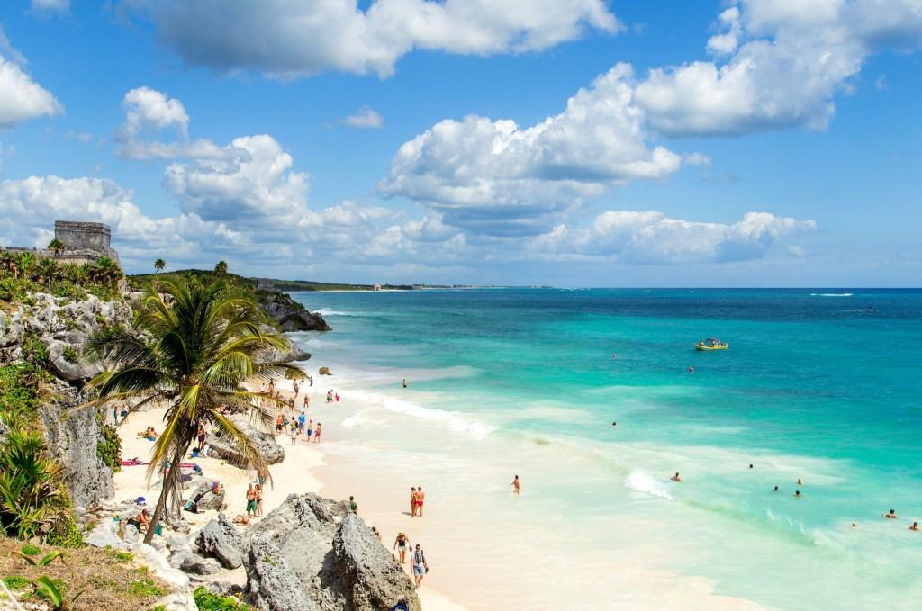 Krásná pláž na ostrově Cozumel