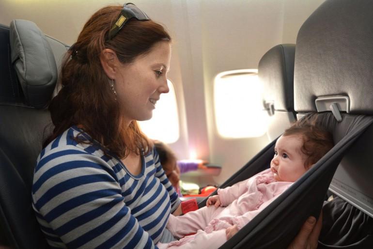 Létání s dětmi a kojenci