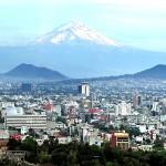 Sopka Popocatepetl za městem Mexico City