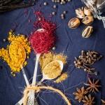 Zanzibarské koření - kurkuma, šafrán, kmín, vanilka, pepř, muškátový oříšek, anýz a další