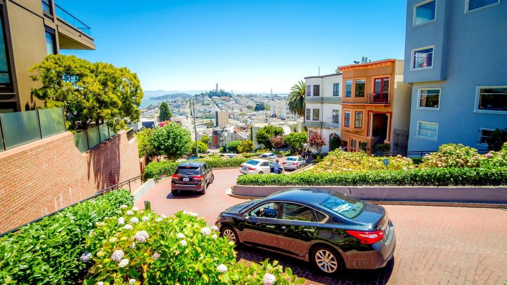 Lombard street - nejklikatější silnice v San Franciscu