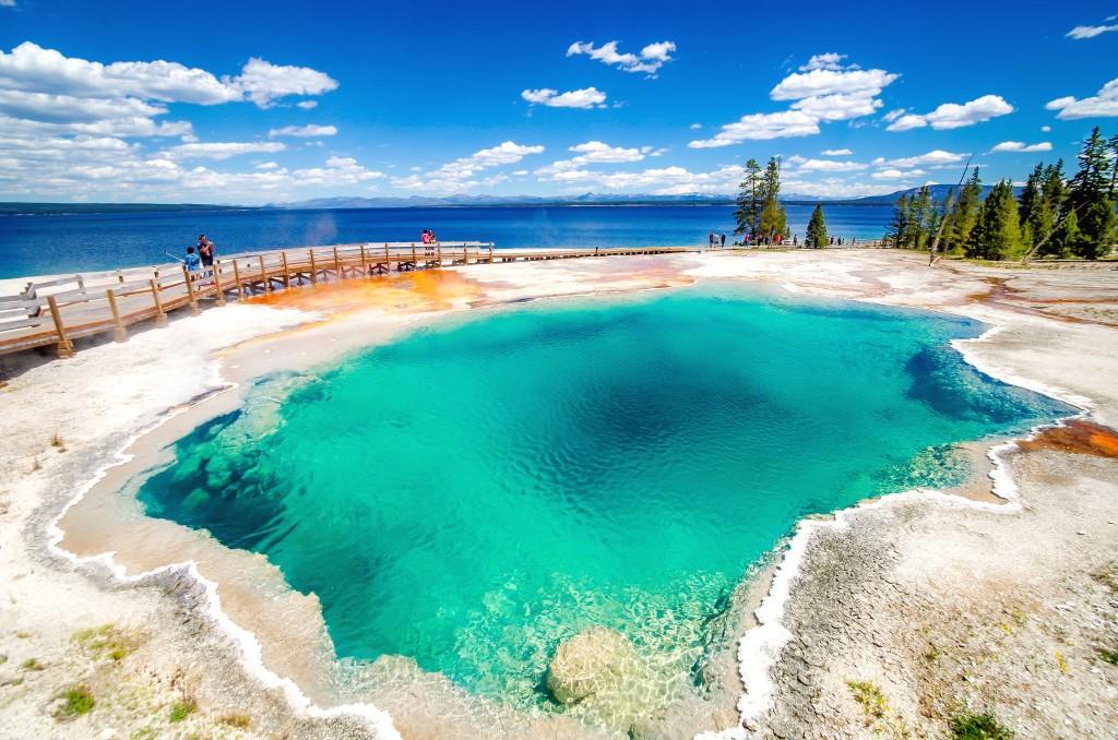 West Thumb Basin v Yellowstonském národním parku