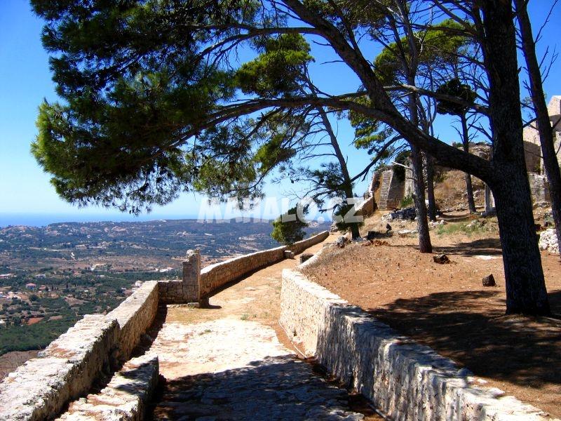 Agios Georgios a výhled z něj