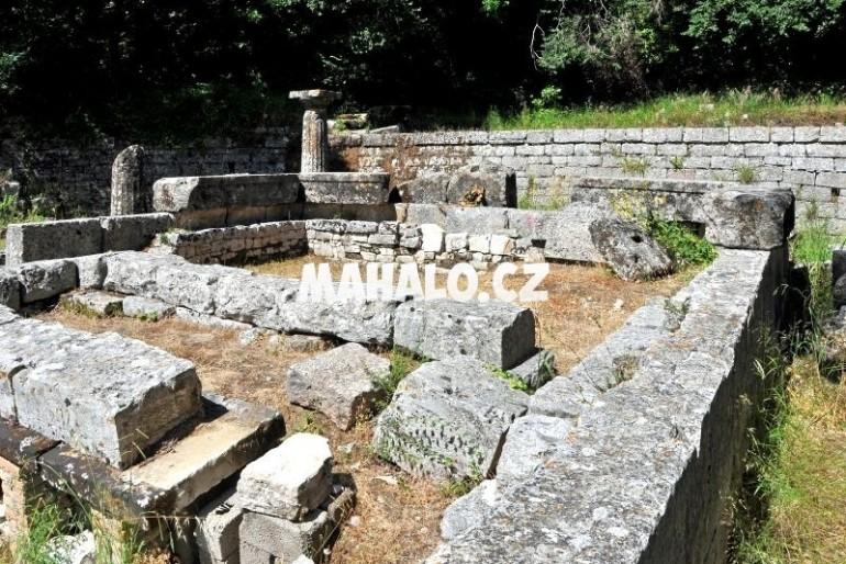 Kerkyra – Chrámový areál v Mon Repós