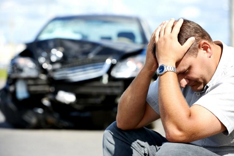Co dělat, když v zahraničí způsobíte dopravní nehodu?