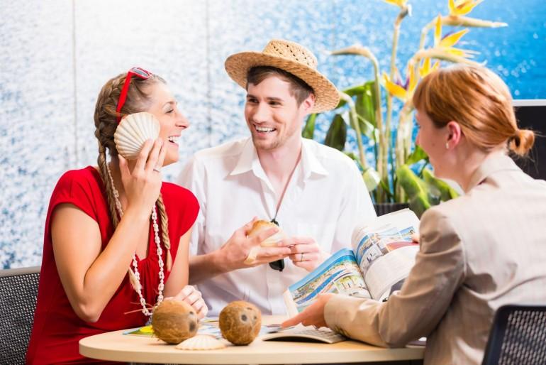 Výhody a nevýhody cestování s českými cestovními kancelářemi