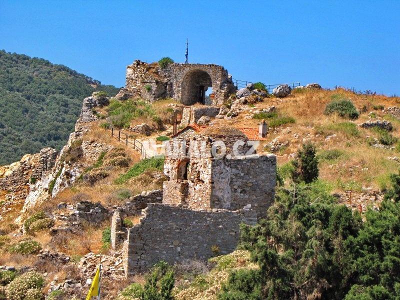Areál zříceniny hradu Kastro