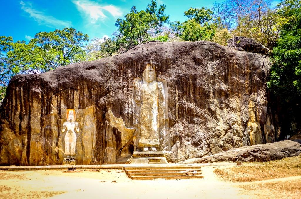 Skalní sochy Buduruwagala