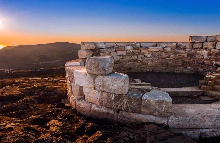 Bílá věž ostrova Serifos