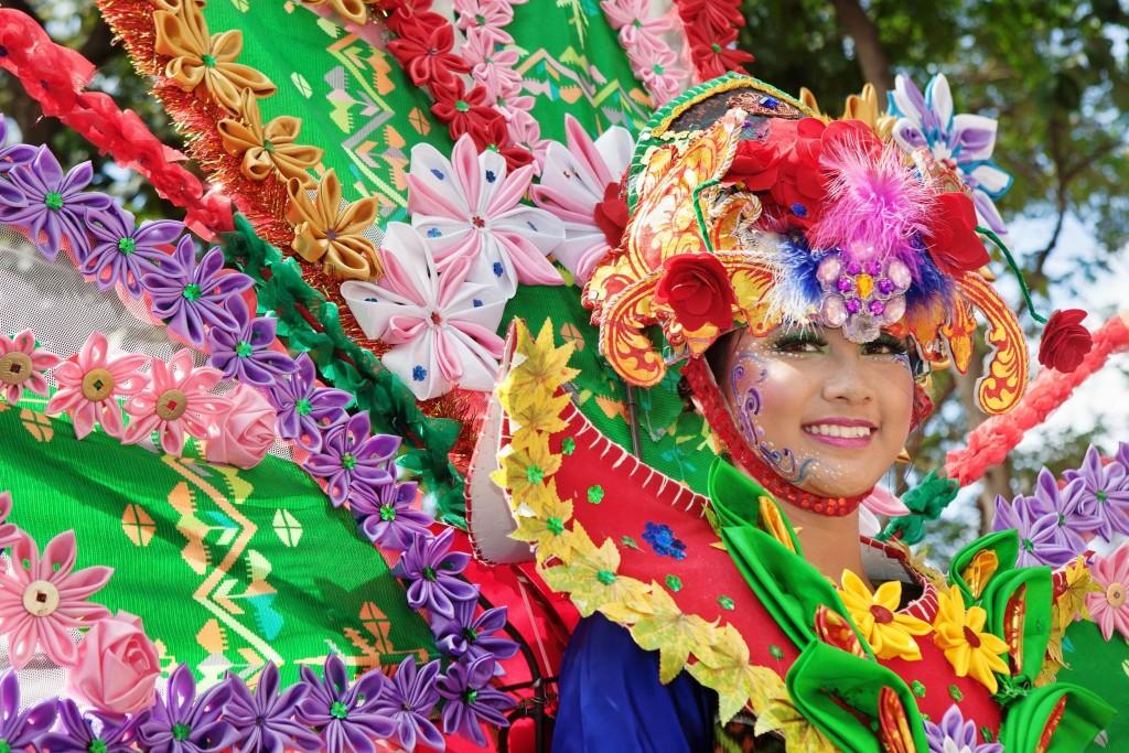 Balijská tanečnice při hinduistických slavnostech