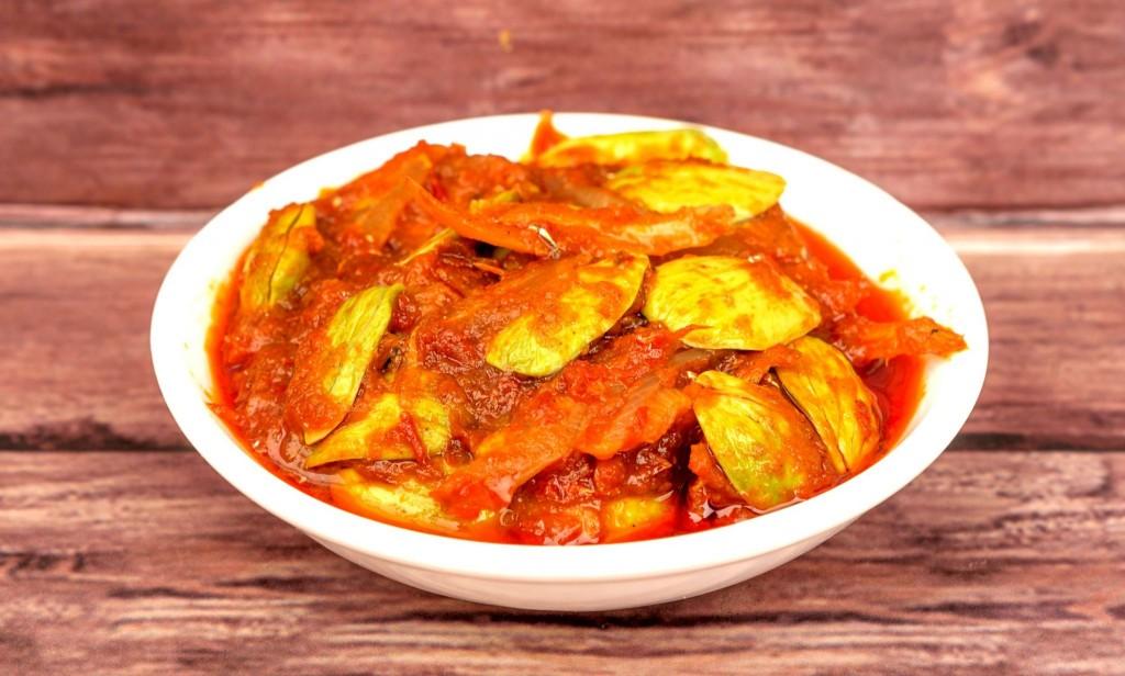 Ikan bilis je sušená ryba s dresingem a oblíbené jídlo Malajsie