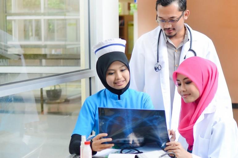 Zdravotní péče a očkování v Indonésii
