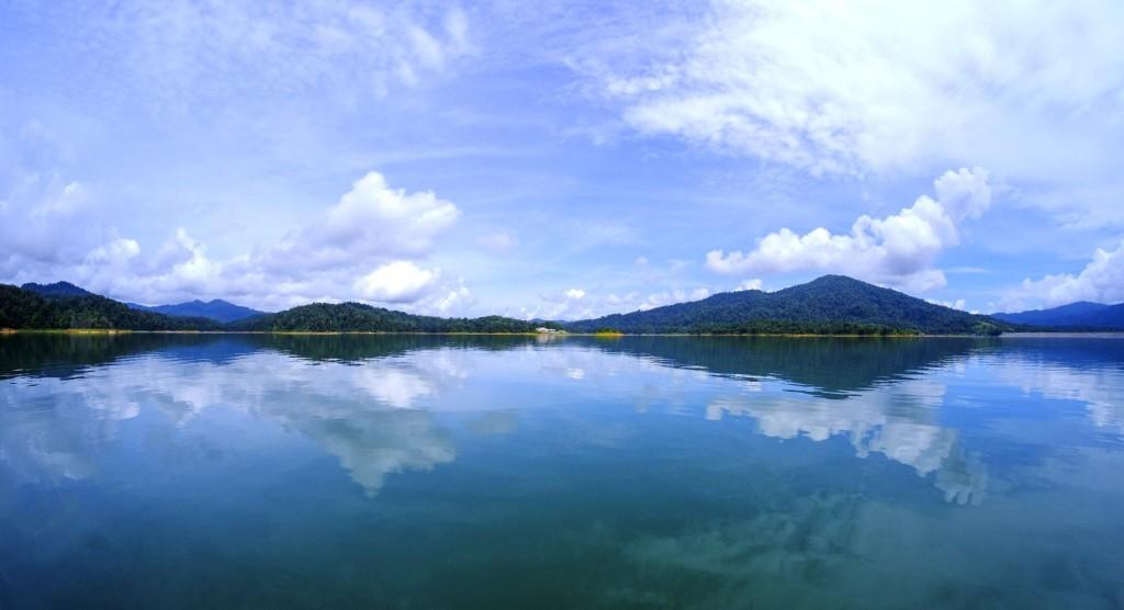 Jezero Tasik Kenyir