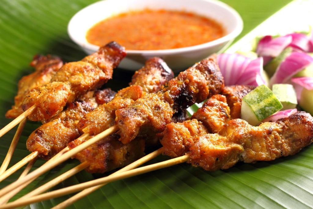 Satays - tradiční jídlo Malajsie