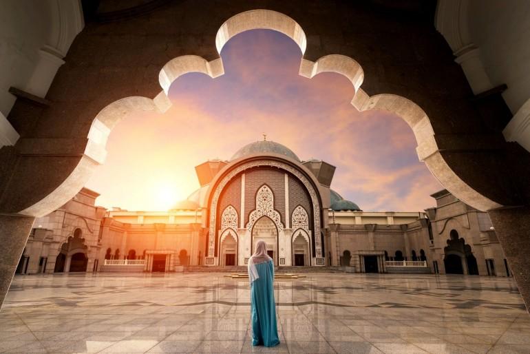 Bohové a náboženství v Malajsii