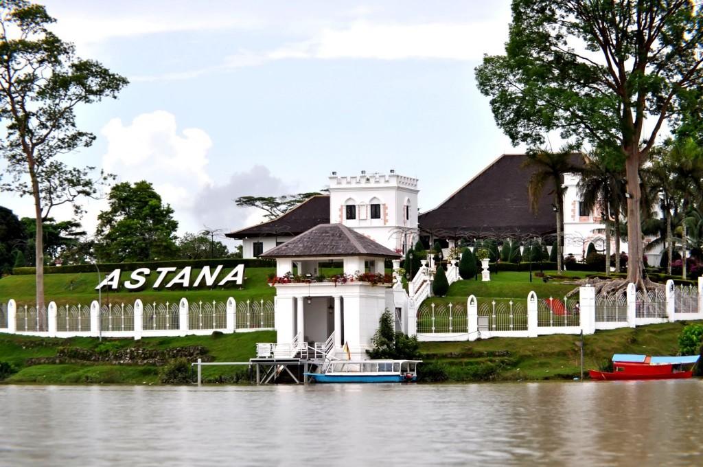Palác The Astana ve městě Kuching