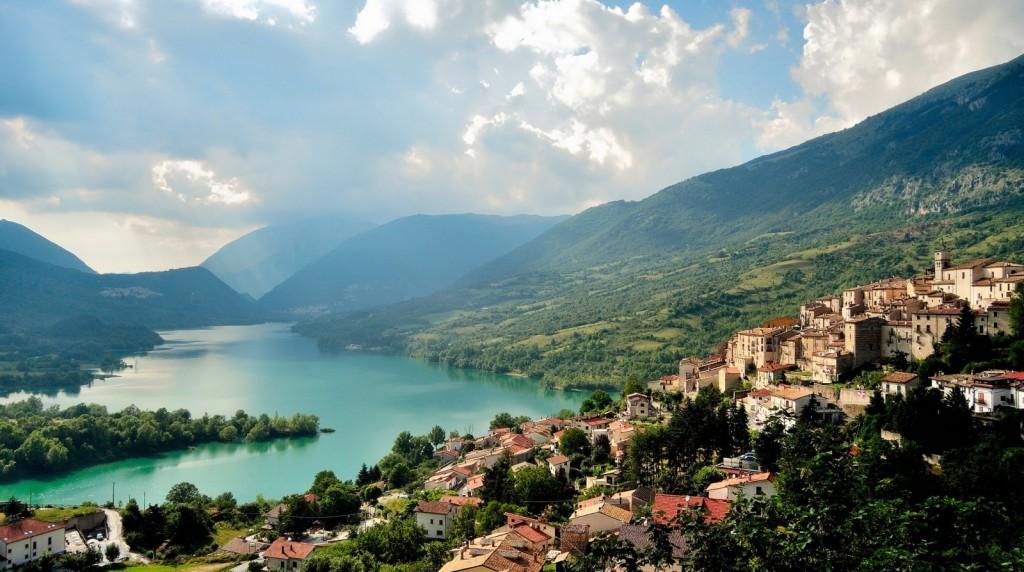 Nádherná krajina regionu Abruzzo