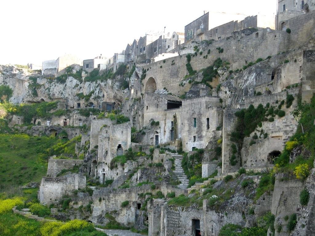 Jeskynní příbytky sassi