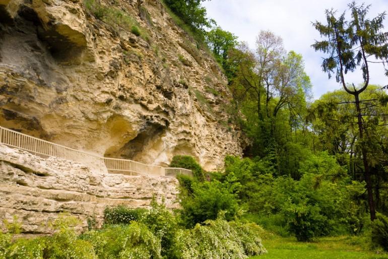 Skalní klášter Aladža a katakomby